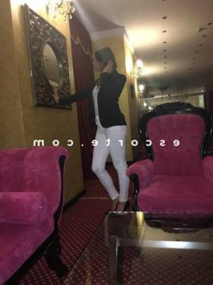 Jannette massage escorte